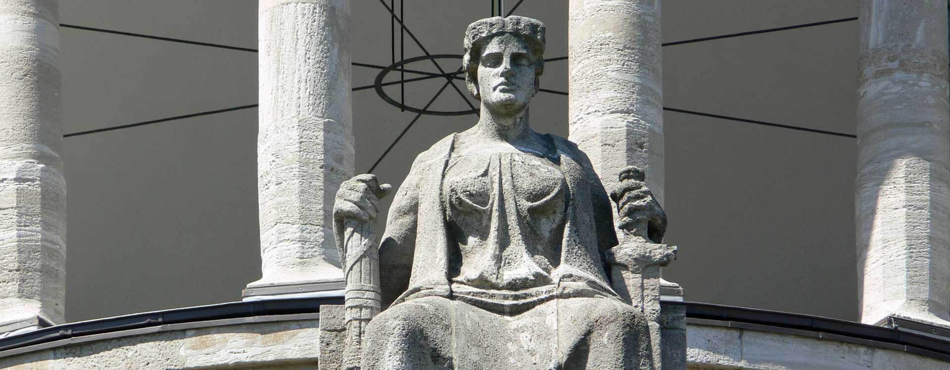 Klageerzwingungsverfahren | Lesen Sie hier über Ermittlungs- und Klageerzwingung. Strafverteidigung in Hamburg und bundesweit!