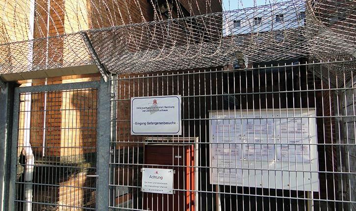 U-Haft, Untersuchungshaft, UHA, Untersuchungshaftanstalt, Hamburg, Holstenglacis, Gefängnis, JVA, Rechtsanwalt, Anwalt, Strafverteidiger, Besuch, Besuchszentrum, Besucherzentrum, Eingang, Pforte, Besuchereingang