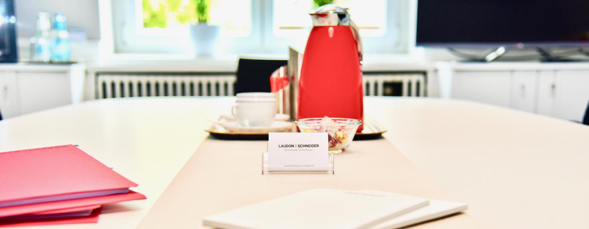 Kontakt | Rufen Sie an oder schreiben Sie eine Email. Strafverteidiger Hamburg