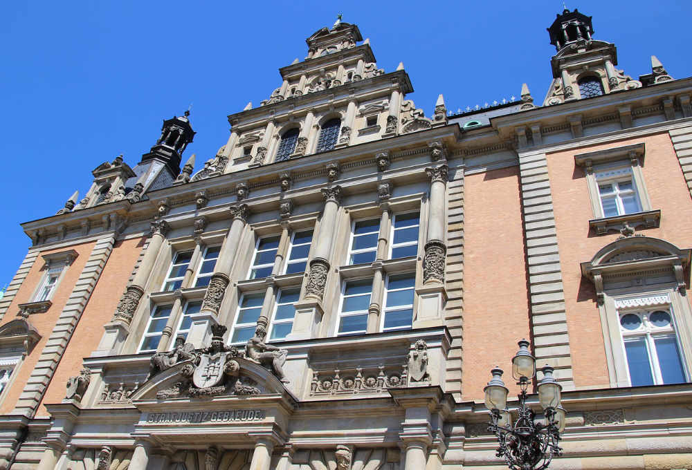 Strafjustiz, Hamburg, Amtsgerichte, Landgericht, Oberlandesgericht, LG, AG, OLG, Sievekingplatz, Justizforum, Strafjustizgebäude Hamburg