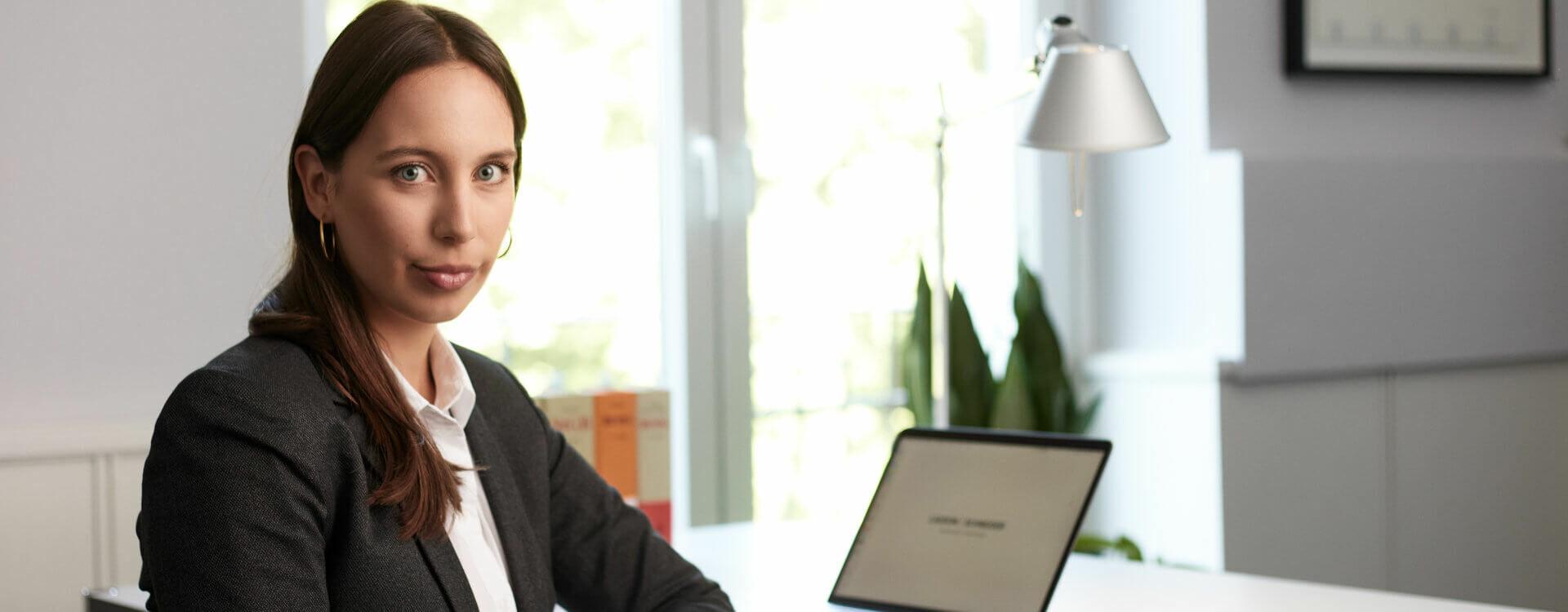 Strafverteidigerin Hamburg: Rechtsanwältin Laura Leweke